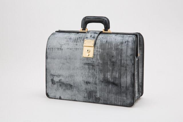 ビジネス用のブライドルダレスバッグ