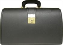本革の高級鞄なら【銀座タニザワ】へ〜レザーの魅力を楽しむならしっかりお手入れを〜