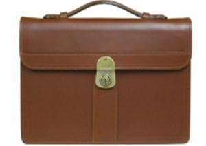 良質な牛革の鞄を通販で皆様にお届けします〜ビジネスバッグ・旅行の鞄など日本製のメンズの革の製品のことなら〜